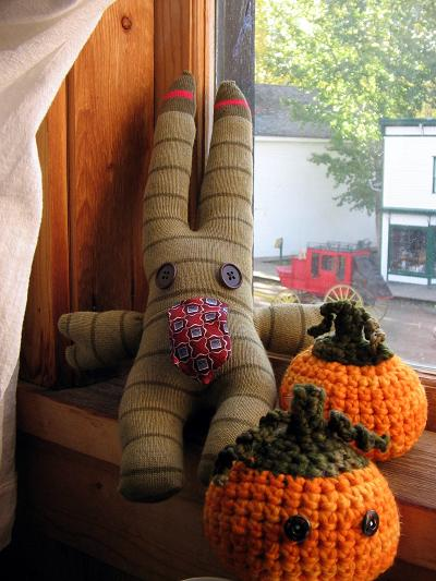 sock-creature-and-rs-pumpkins-small.jpg