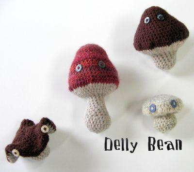 crocheted-mushrooms